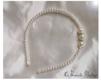 Headband decorated with ivory pearls and silver rhinestones