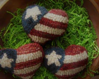 Primitive Hooked Rug  Heart Shaped  American Flag Bowl Fillers,Folk Art