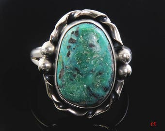 American Indian Hand Crafted Sterling Silver & Turquoise Stone Ring