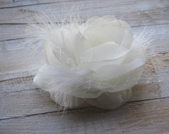 Wedding ivory flower Ivory wedding headpiece Ivory hair pin Ivory hair clip Wedding hair piece Ivory headpiece Ivory fasciantor Ivory clip