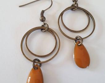 Pretty earrings drops camel