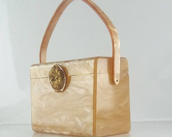 1950s Wilardy Champagne Pearlized Marble Lucite Purse with Gold Floral Filigree Clasp, Lucite Box Handbag, Mid Century Lucite Purse