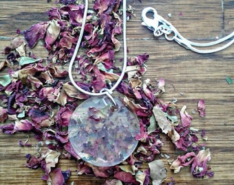Circle Floral Resin Necklace