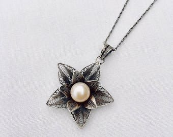 Silver Filigree Flower necklace with round freshwater pearl
