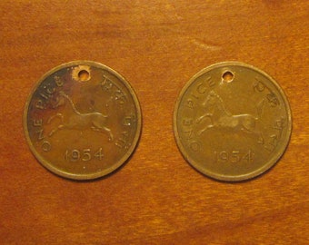 holed India 2 coin pice lot, pair 1954, interesting Indian coins,world coin group, cent, penny, horse,collecting jewelry craft supply, hole