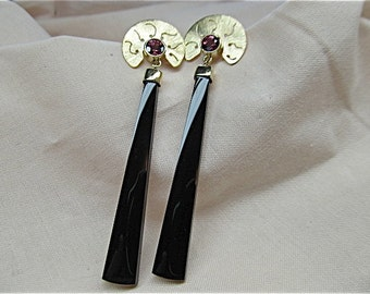 14k yellow gold earrings with rhodolite garnet and black onyx