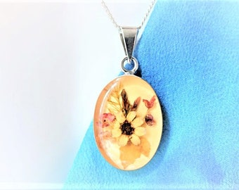 Flowers Necklace in Resin Stering Silver