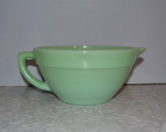 Jadeite Batter Bowl ~ Fire King ~ Mixing Bowl ~ Vintage Kitchen ~ Green Bowl