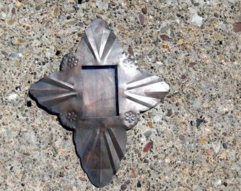 Tin Cross Nicho with Flower Accents       (N-02)