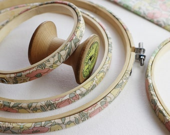 Vintage pastel coloured embroidery Hoop. Poppy & Daisy print Tana Lawn. Fabric Wrapped Embroidery Hoop. Floral Embroidery Hoop Frame.