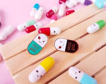 Chill pill pin BLACK glitter |  Kawaii pin | Student gift | Gift Nurse | Gift Pharmacist | Gift Doctor | Enamel Chill Pill Pin | Pill brooch