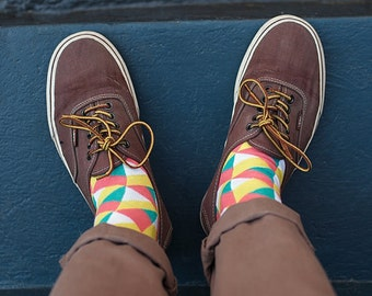 Illusion pink colorful socks for men. Fun patterned socks.