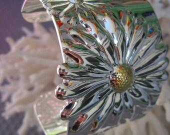 Fabulous Wild Daisy Silver Cuff Bracelet