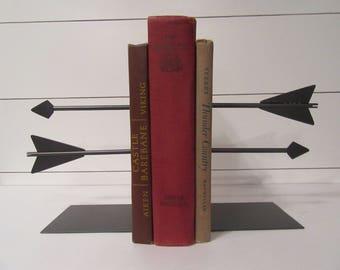 Metal Arrow Bookends-Custom Double Arrow Bookend Home Decor-Book Shelf Office Library Arrow Bookends-Unique Bow Hunter Gift Bow & Arrow Art