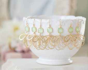 Mint and Gold Earrings, Mint Green Glass Stone Gold Filigree Dangle Earrings, Mint Wedding Jewelry, Bridesmaid Earrings, Maid of Honor Gift