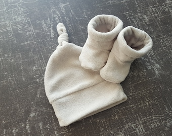 Hat and booties for newborn