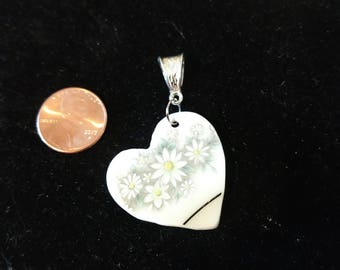 Heart shaped pendant with daisies/daisy/handmade/unique/gift
