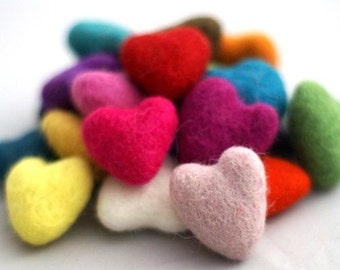 10 pieces x FELT HEARTS handmade