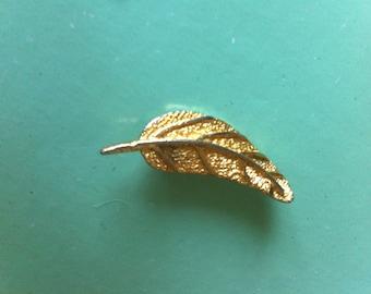 Beautiful 50s brass leaf antique vintage brooch retro jewellery jewelry