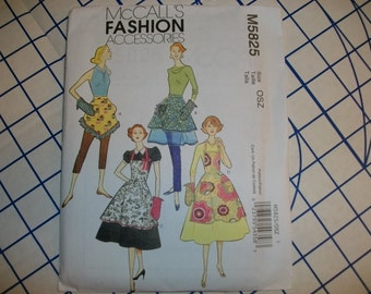 McCalls 5825 Ladies vintage style aprons one size