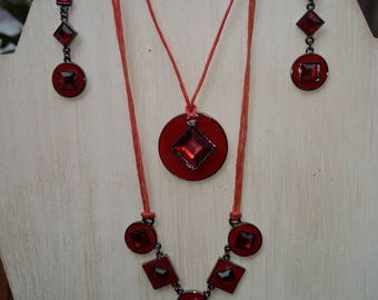 Glass and Gunmetal Necklace /Earring set.