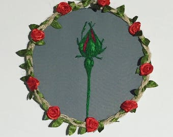Rose embroidery hoop art, flower embroidery, rose bud, romantic gift, Mother's Day gift, floral embroidery, red rose, pretty gift