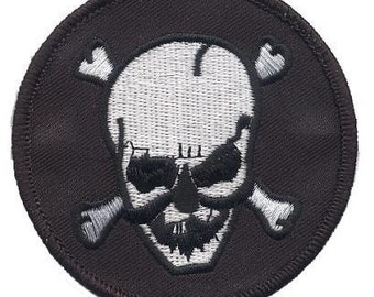 Skull and Crossbones Patch (Iron on)