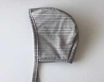 Grey/Black stripe