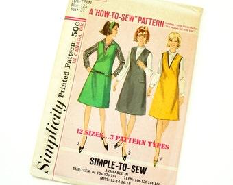 Vintage 1960s Womens Sub Teen Size 12S Mod Jumper Simplicity Pattern 5649 Factory Folds / bust 31 waist 25
