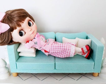 1/6 scale doll couch. Blythe couch. Sofa