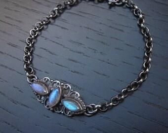 Labradorite chain bracelet, labradorite bracelet, labradorite jewelry, oxidized sterling silver chain bracelet, chain gemstone bracelet