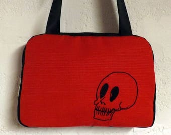 Black Red skull Noxy suitcase bag