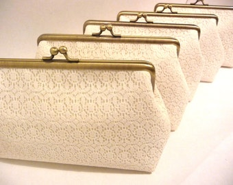 Ivory Lace Bridesmaid Clutch Set of 5, Set of 6 or 7 Personalized Clutch Set, Handmade Wedding Lace Clutch, Bridal Party Gift, 7-inch Frame