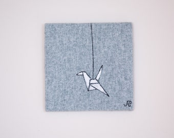 paper crane - drawing with thread on tiny canvas