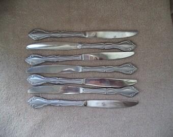 Vintage knives , Set of seven knives , Vintage silverware , Vintage flatware, Housewarming gift , gift under 15 , Knivers