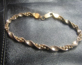 GW Sterling Silver Twisted Herringbone Bracelet with Bead String 1003.