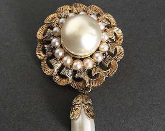 Vintage Faux Pearl Brooch Pin With Gold Metal Colouring