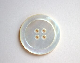 LG Shell Antique Button