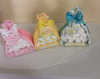 Stork Bundle Diaper Cake/Baby Shower Centerpieces/Baby Shower Gift/New Mommy Gift