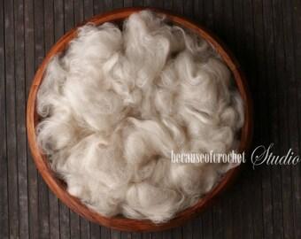 2,5 oz (70gr) Ivory color Large Basket Stuffer filler. Australian extra fine Merino wool. Newborn photo prop. Ready to ship