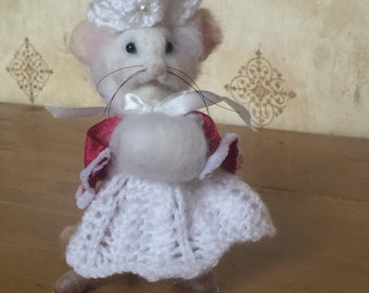 "OOAK Needle Felted Mouse : Introducing "" Miss Katie Skating Mouse"" by Heart Felt Friends"