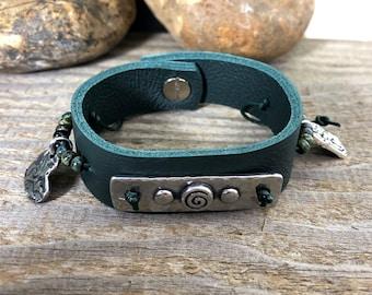 Leather Cuff/Leather Bracelet/Link Bracelet