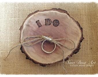 Wooden log ring cushion