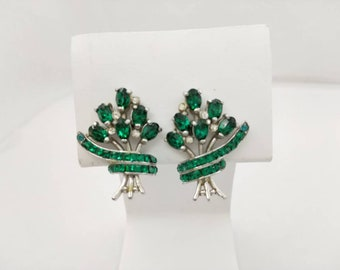 Emerald Green and silver tone Hollycraft  Clip  Earrings Delicate  Pretty Signed