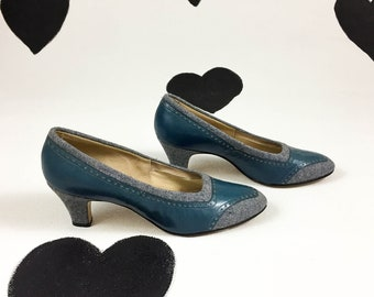70's Bob Baker gray teal tweed leather pumps 1970's sexy secretary blue oxford saddle wingtip baroque kitten heels shoes / size 9 B
