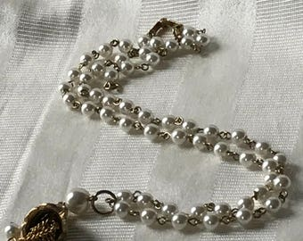 Women's Vintage Costume Jewelry / Pearl Tassel Necklace