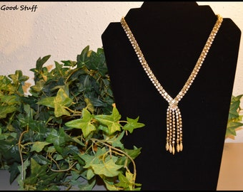 Vintage Lariat Necklace with Beautiful Diamond Chrystal's