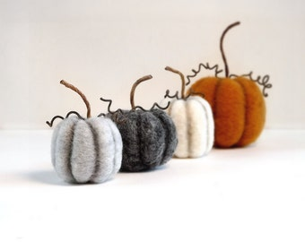 Ordinaire Miniature Pumpkin Decor Set Of 4   Felted Miniatures Fall Autumn  Thanksgiving Rustic Table Decor Halloween