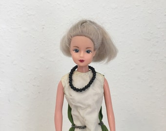Vintage Tong Doll, Barbie Clone, vintage fashion doll