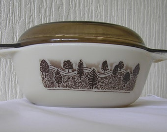 One  Vintage JAJ Pyrex England 'Rustic' casserole dishs with original lid